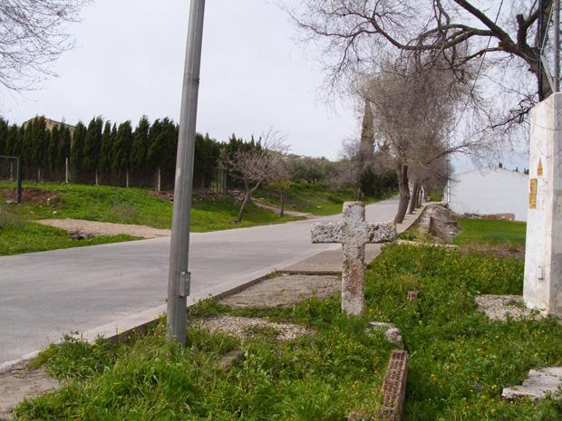 Cruz de Piedra de Roya en el antiguo camino procedente de Sevilla en Estepa