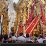 Subida al camarín de la Virgen de los Remedios el Lunes de Octava