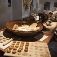 La localidad de Estepa (Sevilla) representa mundialmente a Andalucía y a España gracias a sus famosos mantecados y polvorones. A continuación mostramos un listado de las fábricas de mantecados y polvorones que operan actualmente en Estepa. Sin duda el pueblo más dulce de España y del mundo.