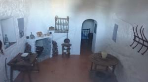Cueva-de-la-carrita-oran-estepa-sevilla-andalucia-casa-cerro-san-cristobal-01