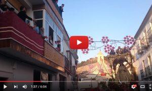 Vídeos de la Virgen de los Remedios por la calle Roya en la Octava 2016