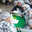 El Consejo Regulador IGP's Mantecados y Polvorones de Estepa retoma por tercer año consecutivo la elaboración de mantecados con escolares.